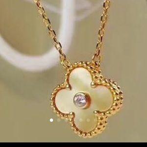 Jewelry - Van Cleef & Arpel style necklace  price final